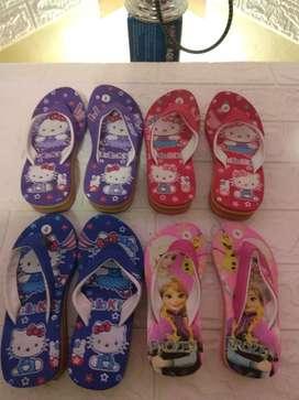 Cuci gudang sandal jepit anak karakter