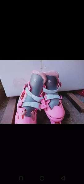 Sepatu Roda Wanita