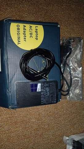 Laptop ac / DC adapter original