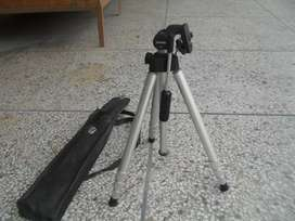 Tripod for light and heavy camers