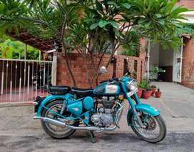 Royal Enfield classic 500cc with free riding gear worth 30,000