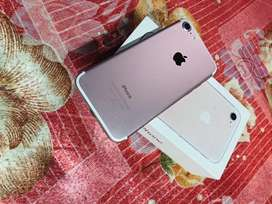 iPhone 7, 32 GB, Rose Gold, Only 1 Year Used, Brand New Condition