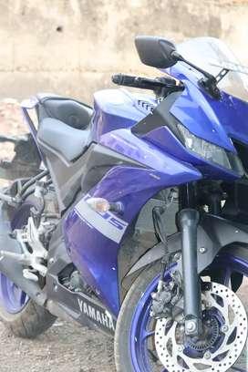 Yamaha R15 v3 BS6 2020.