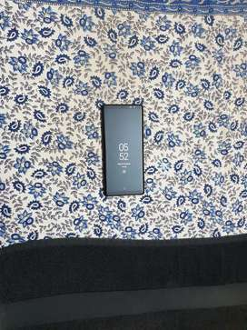 Galaxy note 8 very sparingly used. Well maintained. .