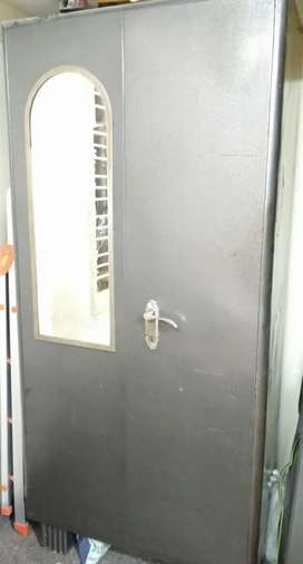 Wardrobe in good condition for sale