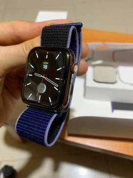 Apple watch series 5 44mm gold stainless steel