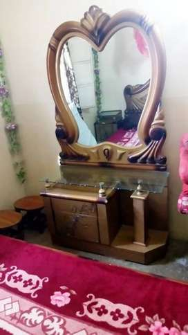 Good condition dressing table