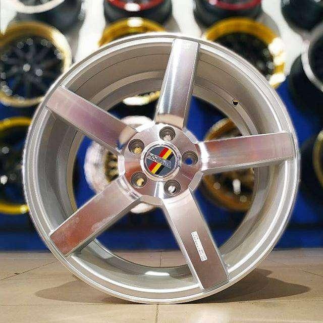 Velg mercy ring 18 lebar 8/9 tipe NE3 HSR silver velg mobil semarang 0
