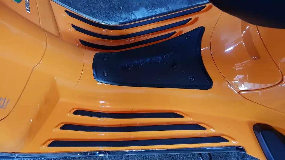 Vespa Sprint i-get 2018 warna orange like new