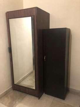 Clearance sale: single door almirah with a mirror