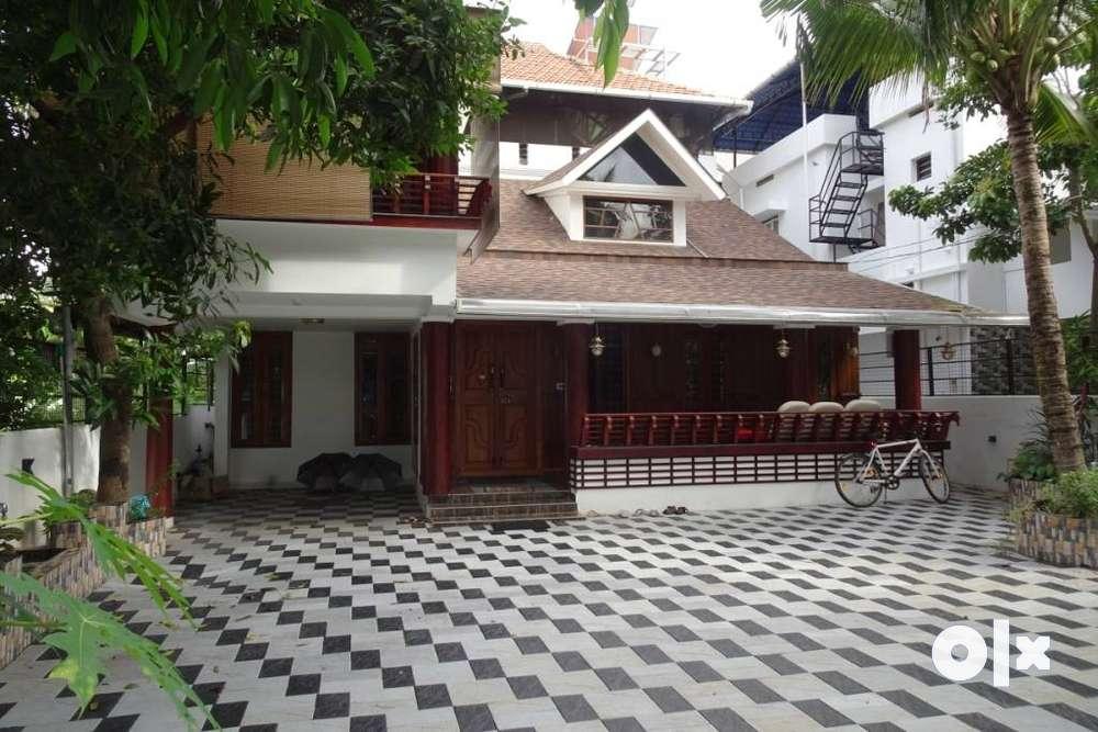 fully furnished luxury independent house 4 bhk at vazhakkala