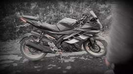 R15 vasion 2.0 is verry good condition bike