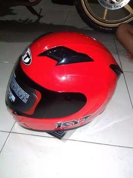 Jual helm KYT R10 warna merah marun