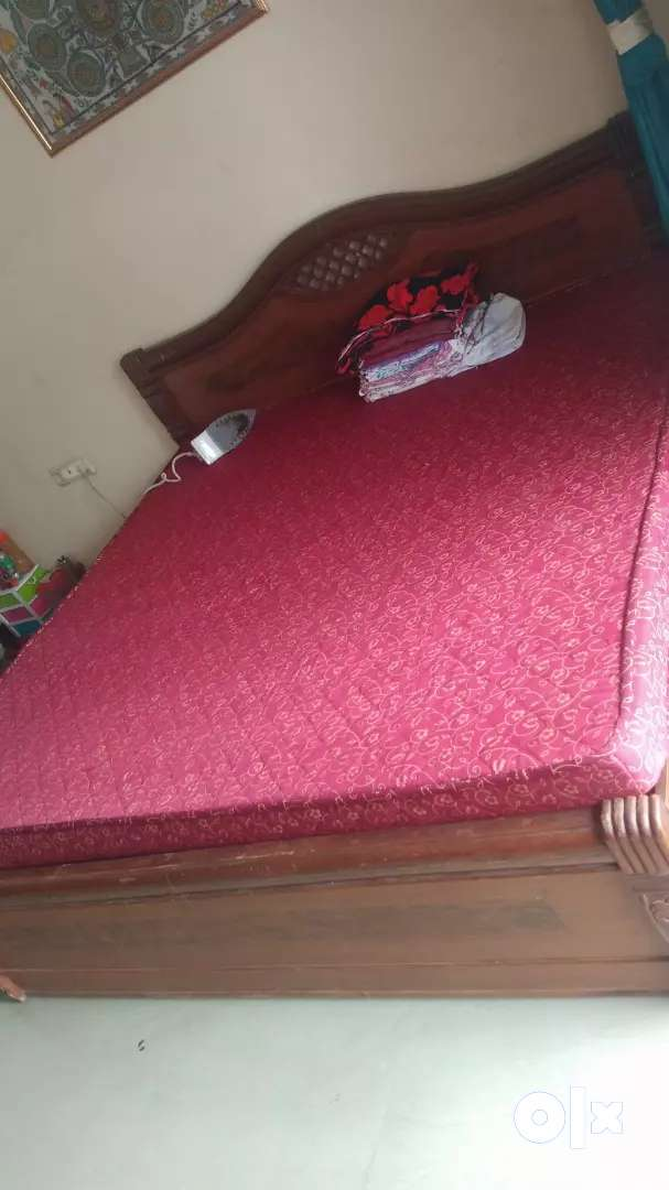 6*6 king size bed 0