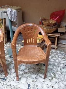 Platic chair brown