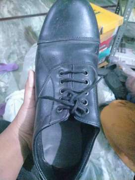 Shoes almost new (used only for 1 month)