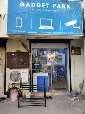 Successfully running mobile store for sale.