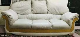 Leather sofas in good quality and shape for sale ,7 seater comfortable