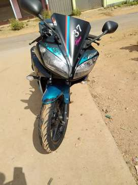 Selling Yamaha R15 is in showroom condition