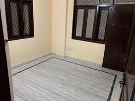 3 bedroom flat on 1st floor near naale wali road in Shaheen Bagh