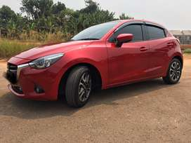Mazda 2 R 1.5 2015 AT soul red