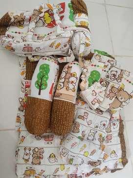Tas bayi set selimut bantal dan lainnya