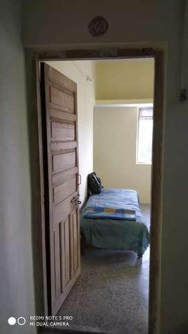 1 Room & Kitchen Flat