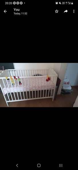 Henskvik baby cot