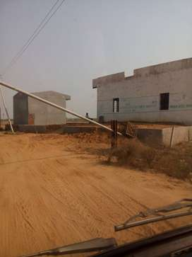 BEST OFFER @ 3000 Gaj plots in Greater just closed to Pari Chowk