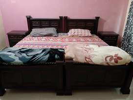 2 single bed with side table