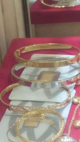 Membeli semua perhiasan emas/tidak pake surat