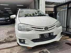 Toyota Etios 1.2 G Manual ( 2013 )