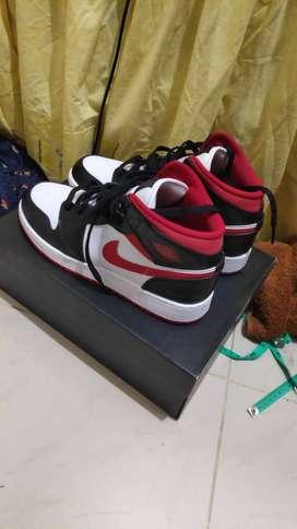 Air Jordan 1 Mid Black Gym Red 100% Authentic