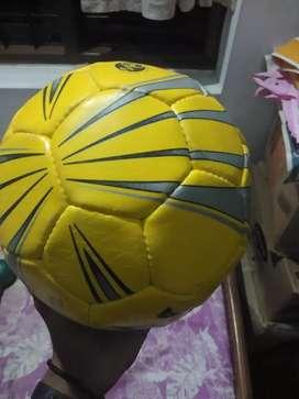 Niviyq footbal