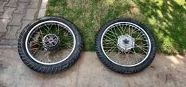 Pair of wheels for Enfield Thunderbird 500 ( 2013)