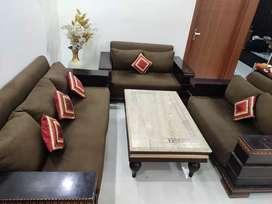 Sofa set and table