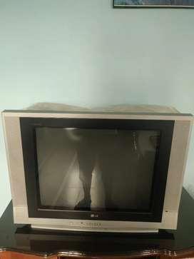 LG Flatron TV golden eye 32 inch good condition