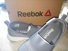 Sepatu Reebok size 42 ori 100%
