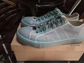 Sepatu original warrior size 41