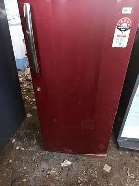 Used fridges & washing machines starting from 4000