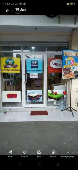 Dicari karyawan utk toko kue di Cikarang Cibarusah