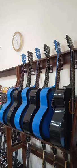 Gitar Akustik Standar Pemula