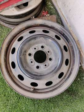 "14"" Inch Tyre Rim and Parcel Tray Tata Tiago XT model"