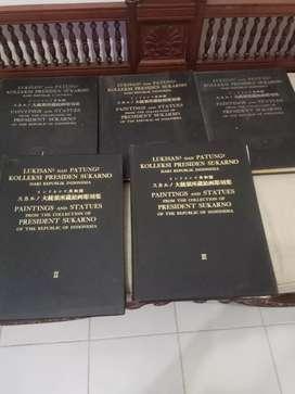Buku kumpulan koleksi lukisan dan patung bung karno