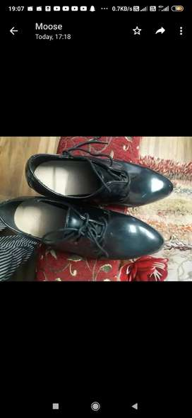Forever 21 work shoes for woman(size 37)