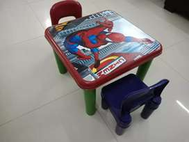 Spider man table with chairs