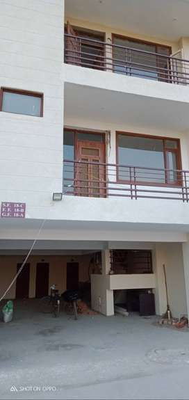 best deal in tricity hurry only 8 left ready to move flats in zirakpur