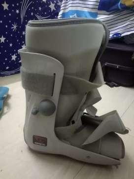 BREG Orthopedic shoes/BREG Genesis Mid-Calf Full Shell Walker