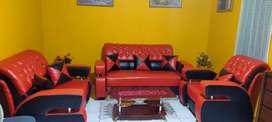Dijual cepat sofa & meja, kondisi bagus NEGO.