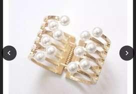 Golden cuff bracelet-Pearl edit